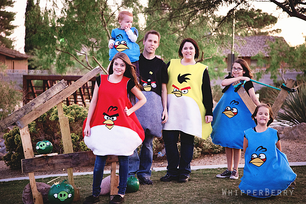 Happy Angry Bird Halloween & Friday Flair Features
