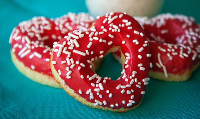 Vanilla Bean Heart Doughnuts | Recipe