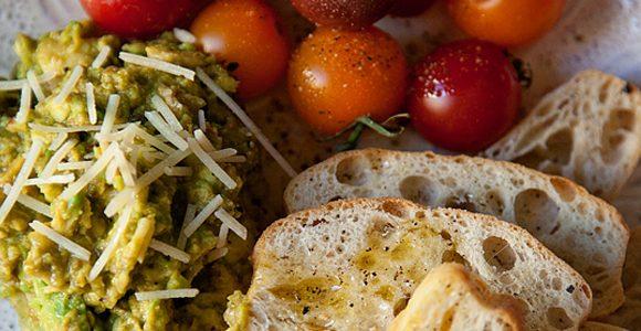 Guacamole Italiano Crostini /// Recipe