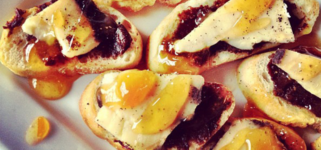 Drunken Fig Crostini /// Award Winning Recipe