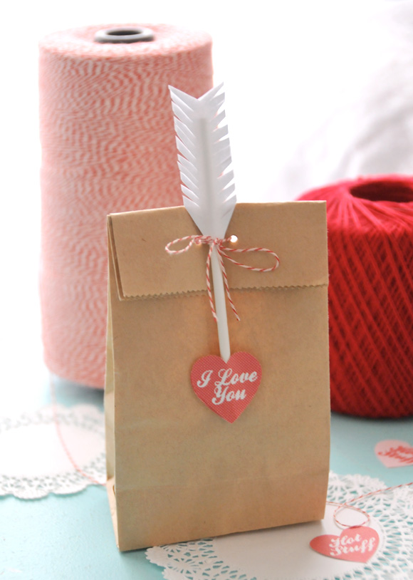 Friday Flair Link Party // Cupid's Treat Bag Edition