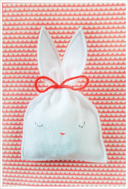 Friday Flair Link Party // Bunny Pouch Edition
