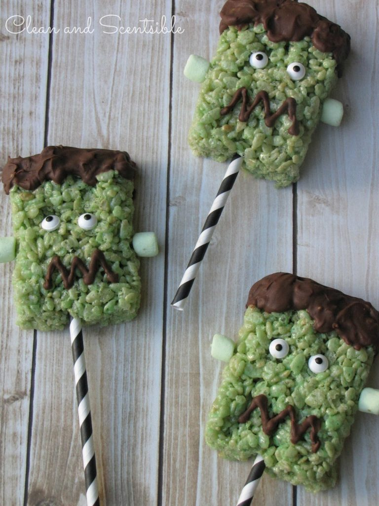 Frankenstein Halloween Rice Krispie Treats with Free Printable