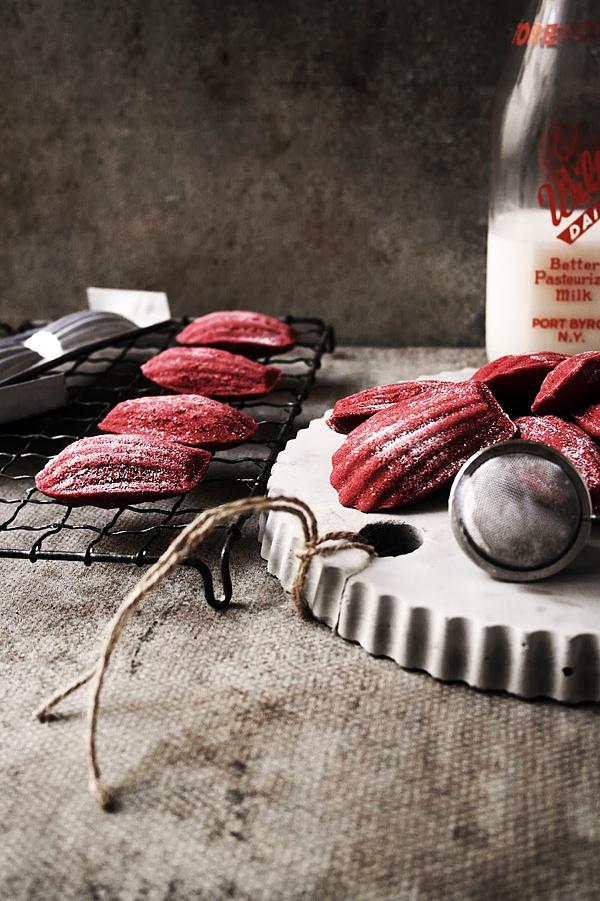 red-velvet-madeleines