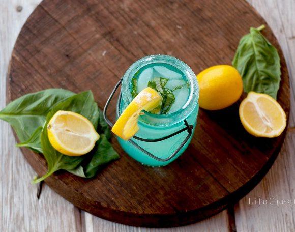 Basil Lemonade // Recipe