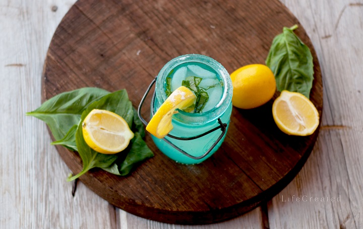 Basil Lemonade // Recipe