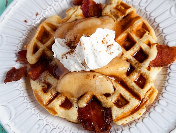 Maple-Bacon-Apple-Waffles-from-#whipperberry-1