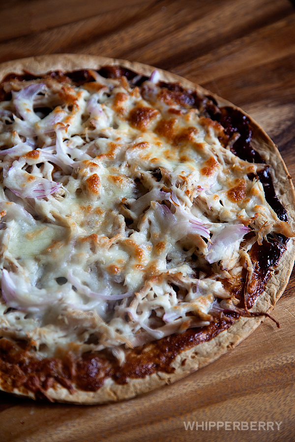 5-Ingredient-BBQ-Chicken-Pizza-from-#whipperberry-6