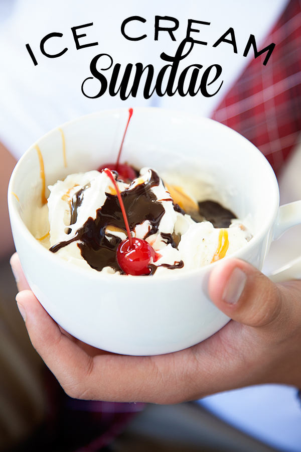 ice-cream-sundae-with-Smucker's-ice-cream-toppings-11