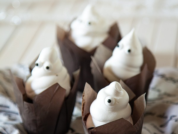 Brownies-Ghost-with-Pillsbury-Brownies-1