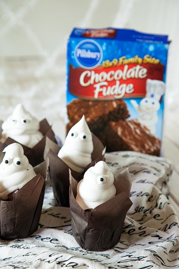 Brownies-Ghost-with-Pillsbury-Brownies-5