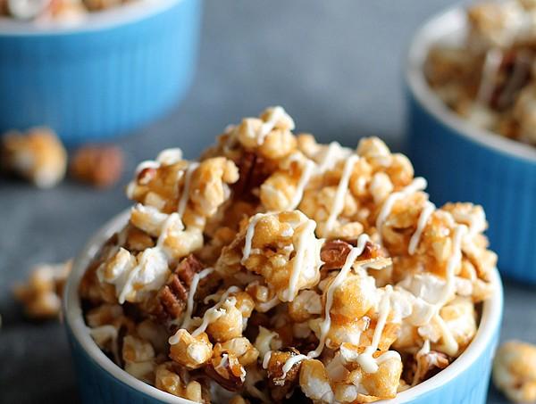White-Chocolate-Pecan-Caramel-Corn-final copy