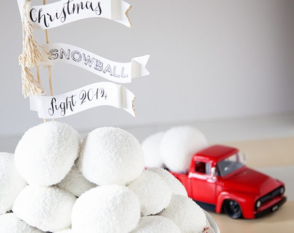 Christmas Snowball Fight Edible Centerpieces + Loads of GIVEAWAYS