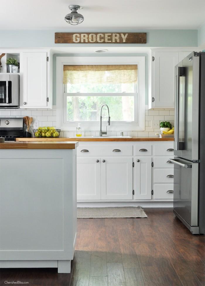 Kitchen-Sink-700x976