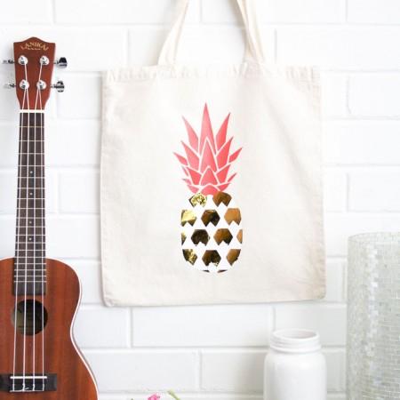 pineapple-heat-vinyl-transfer-onto-a-bag-9