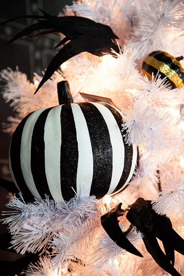 Whipperberry-Halloween-Tree-from-Treetopia-2