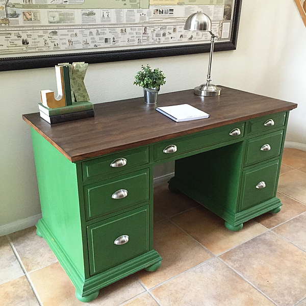 BB-Frösch-Faux-Stained-and-Green-Desk-After