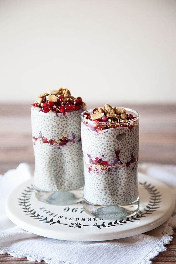 diary free pomegranate chia pudding parfait recipe from WhipperBerry // Breakfast Super Food!