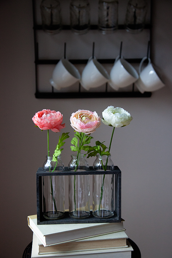 How to decorate with simple romantic flowers from the Michaels Flower Market  by WhipperBerry