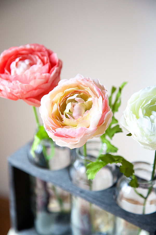 how-to-decorate-with-flowers-with-whipperberry