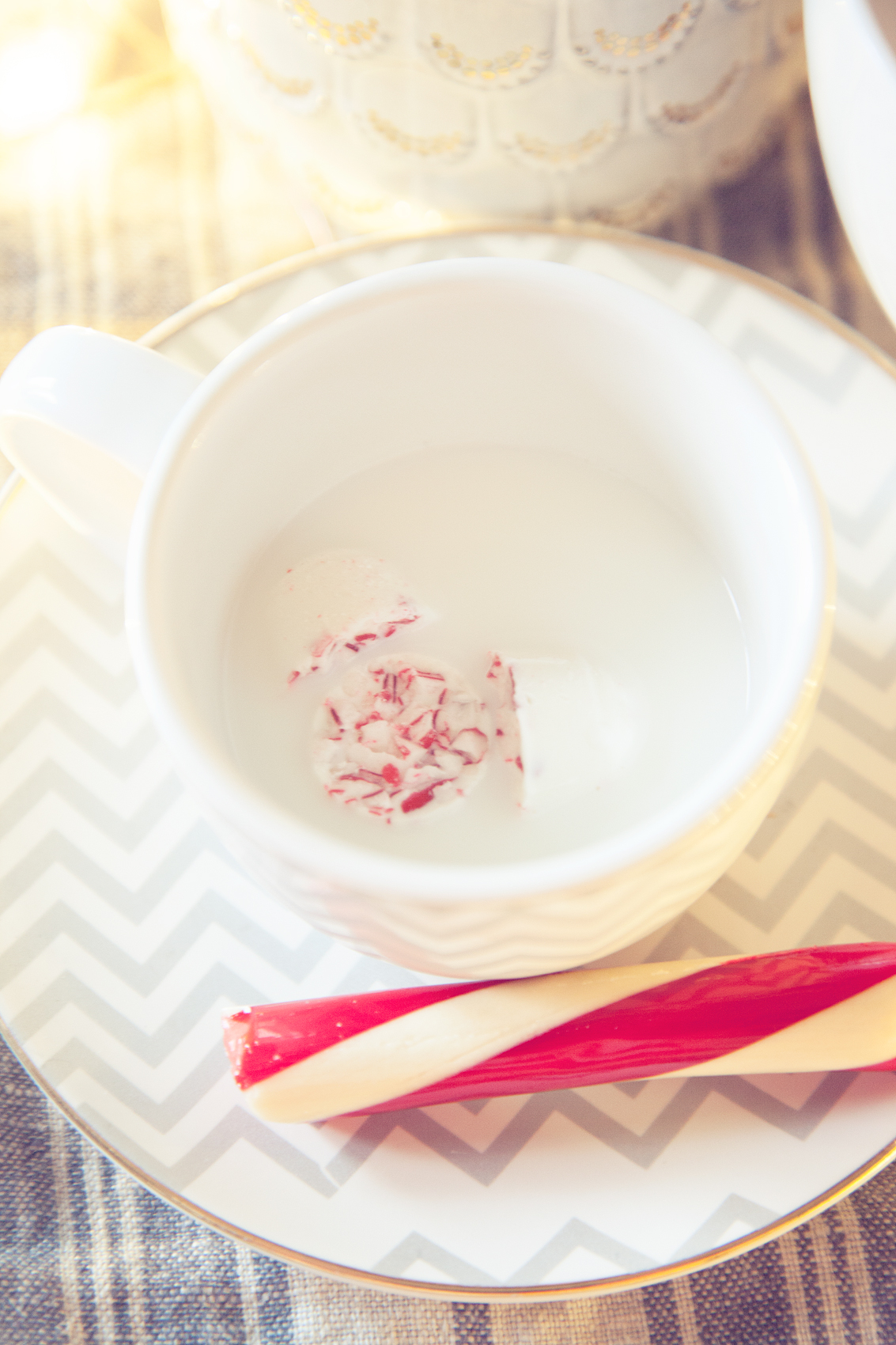 peppermint-white-chocolate-steamer-from-whipperberry-3