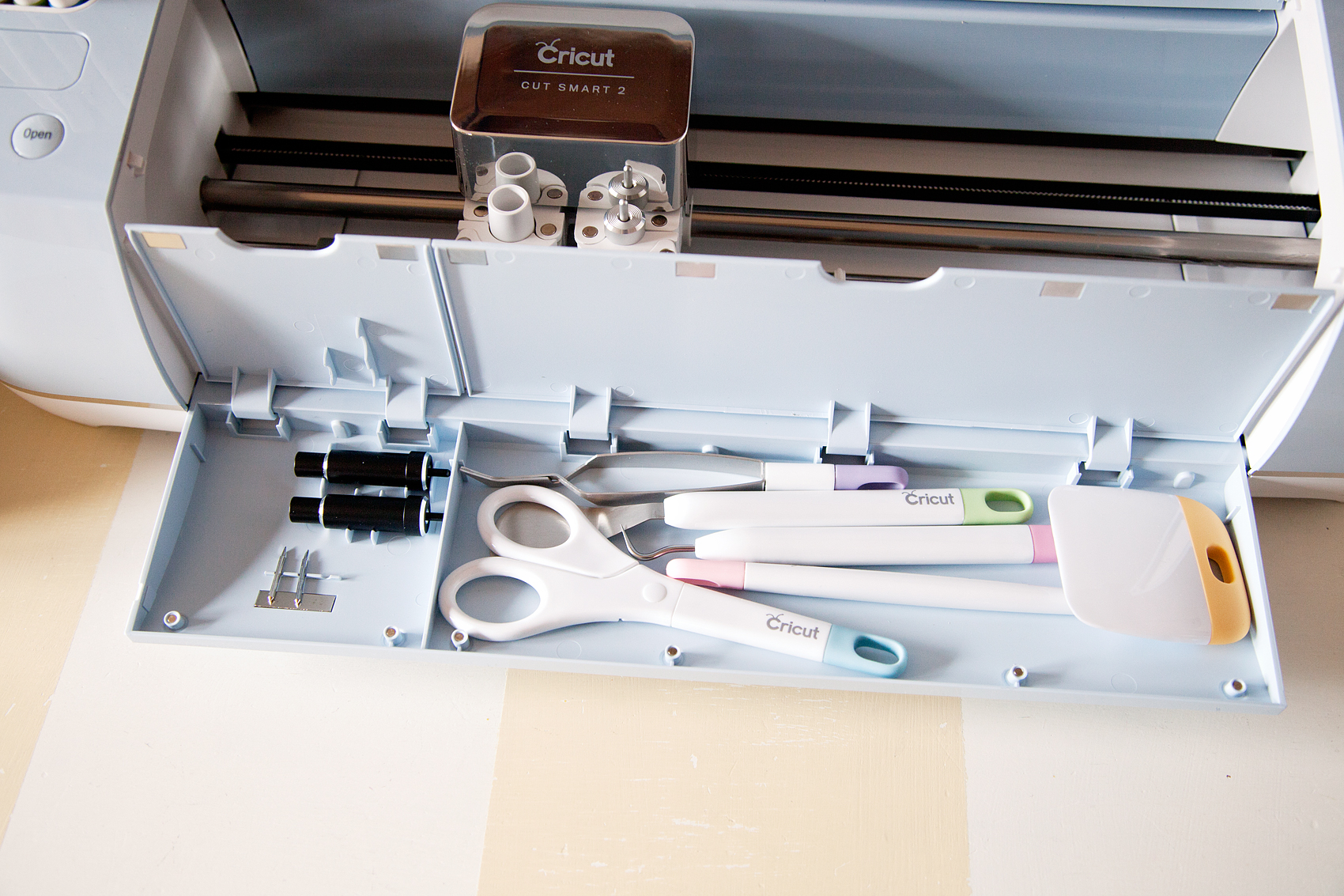 Cricut-vs.-Silhouette-via-WhipperBerry-5
