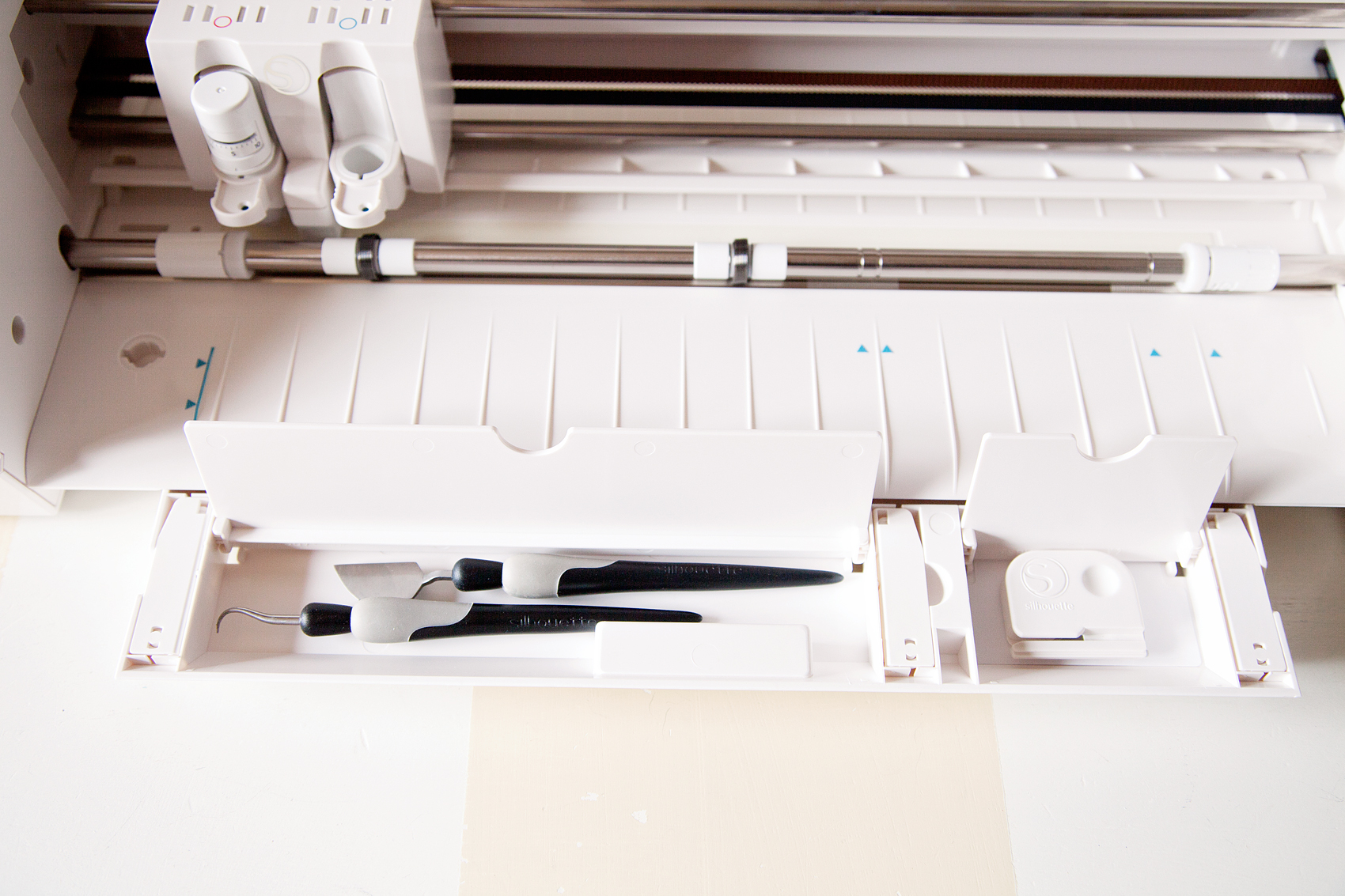 Cricut-vs.-Silhouette-via-WhipperBerry-6