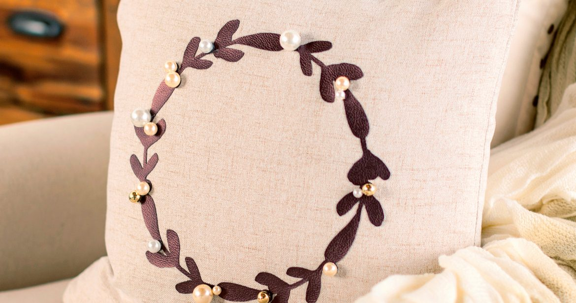 WhipperBerry-Wreath-Pillow