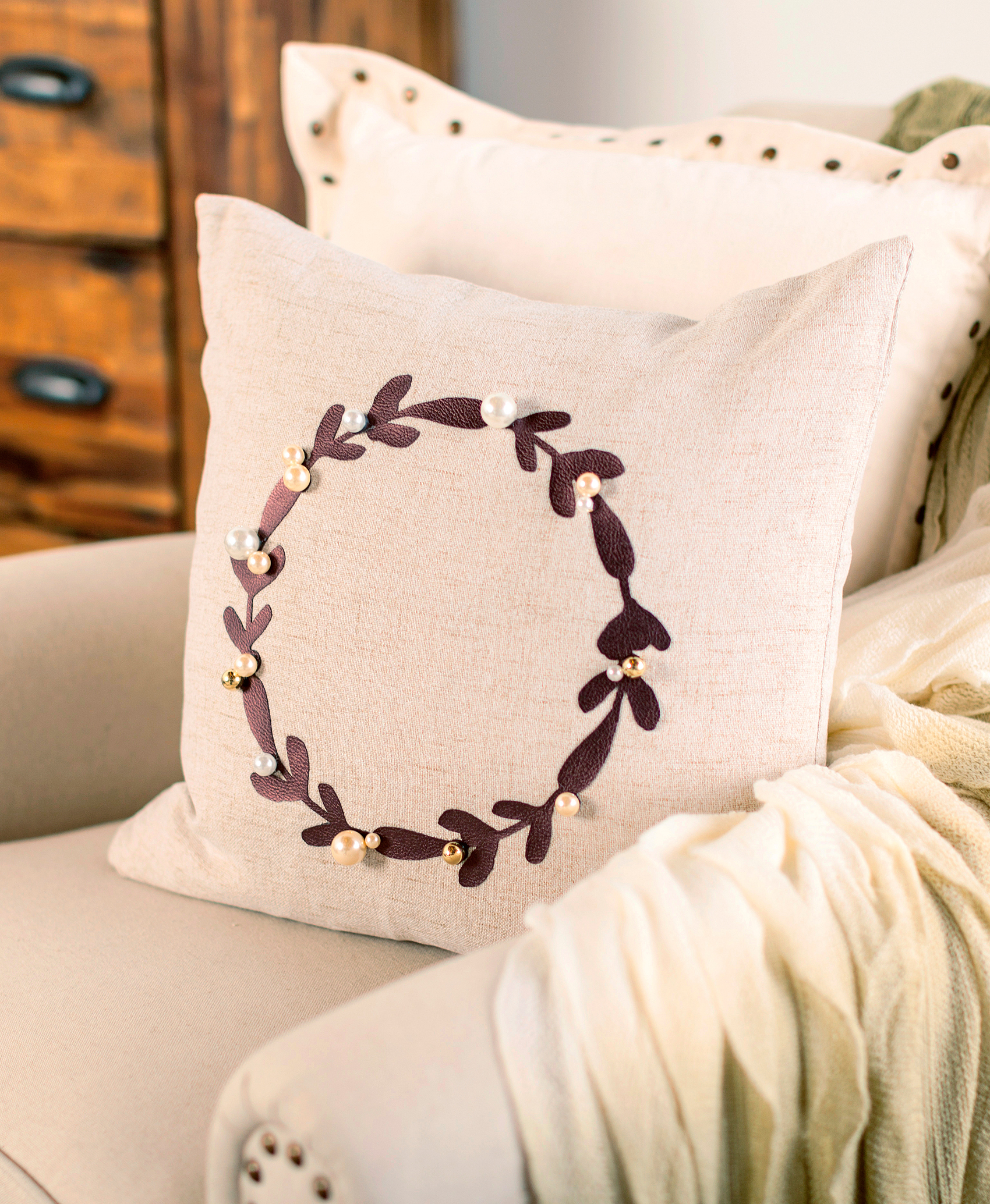 Using Cricut Faux Leather + Gold Foil to Dress-up Your Home