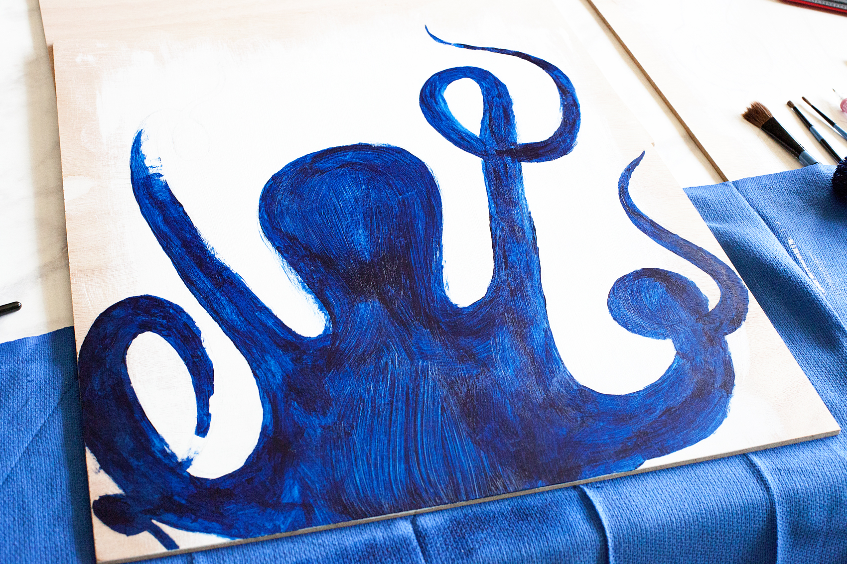 Create this fun DIY Octopus Wall art for your favorite nautical themed room. This one is going into my son's vintage nautical room and it's going to look fabulous! Created by WhipperBerry via @decoArt