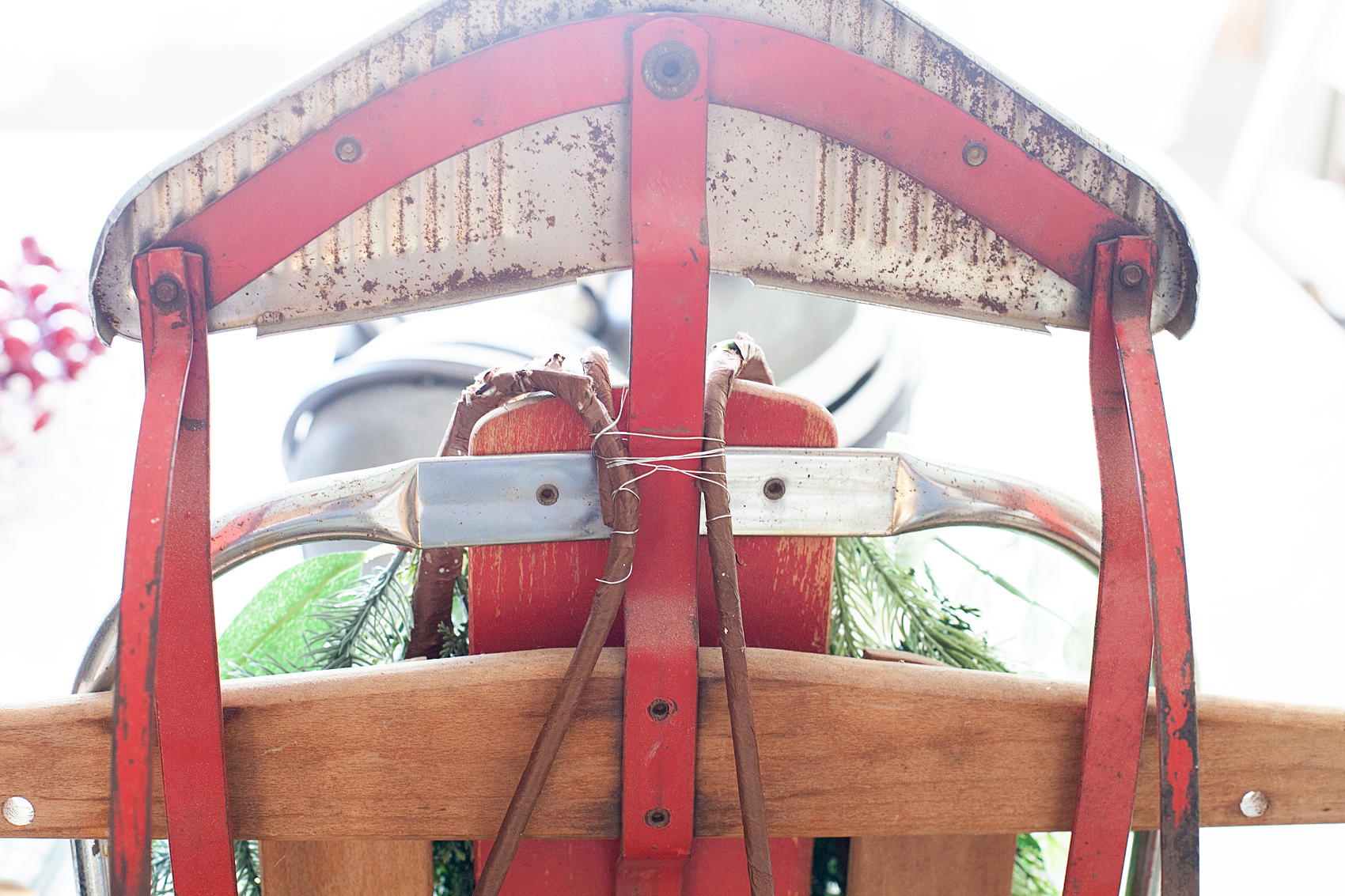 How to decorate a vintage sled - whipperberry